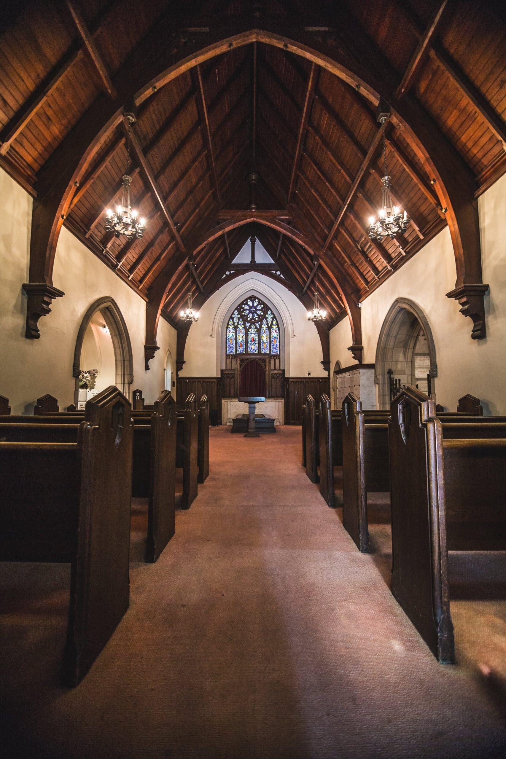 janitorial-cleaning-company-clean-small-chapel